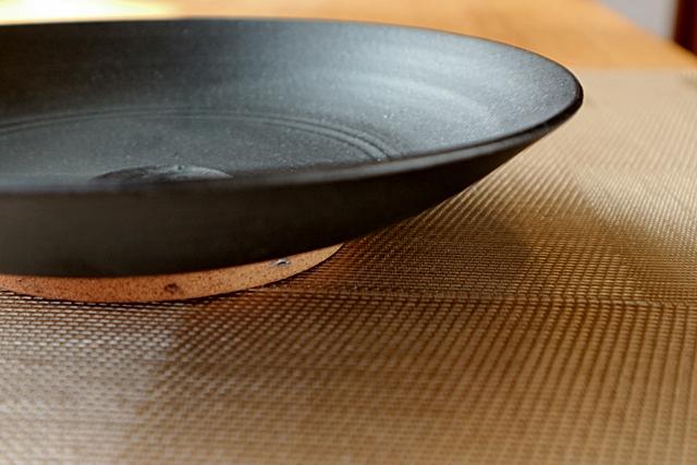 7寸皿 丹泉窯 黒